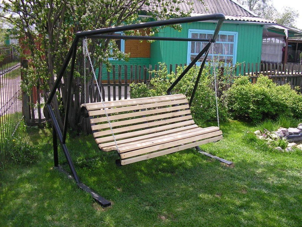 Садовые качели своими руками - 90 фото и советы по подбору материалов и конструкций