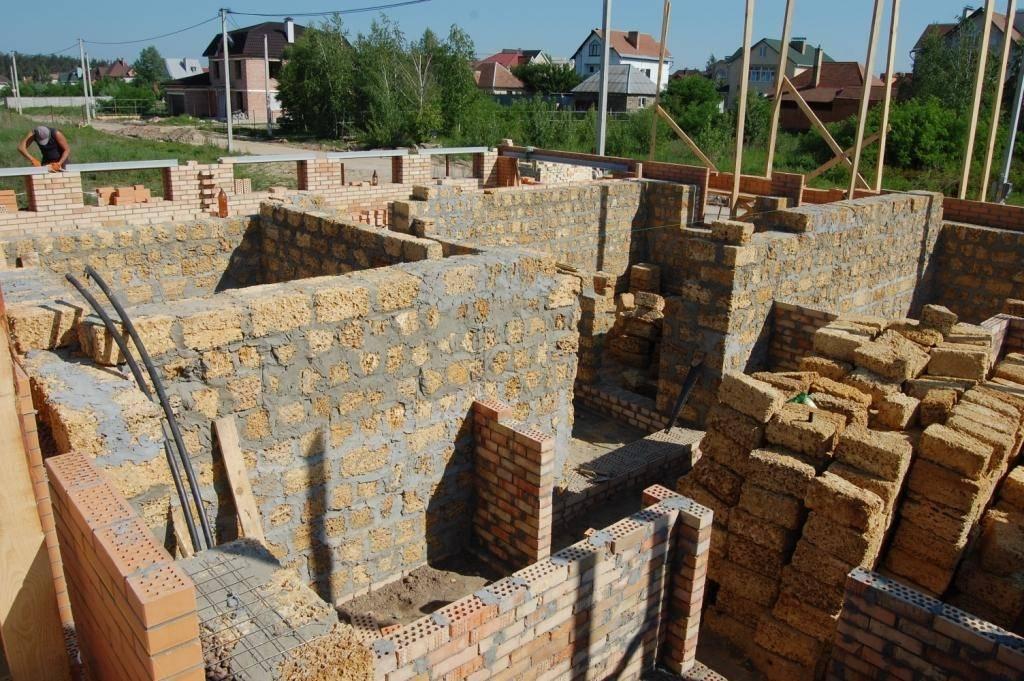 Строительство дома из ракушняка: характеристики и преимущества