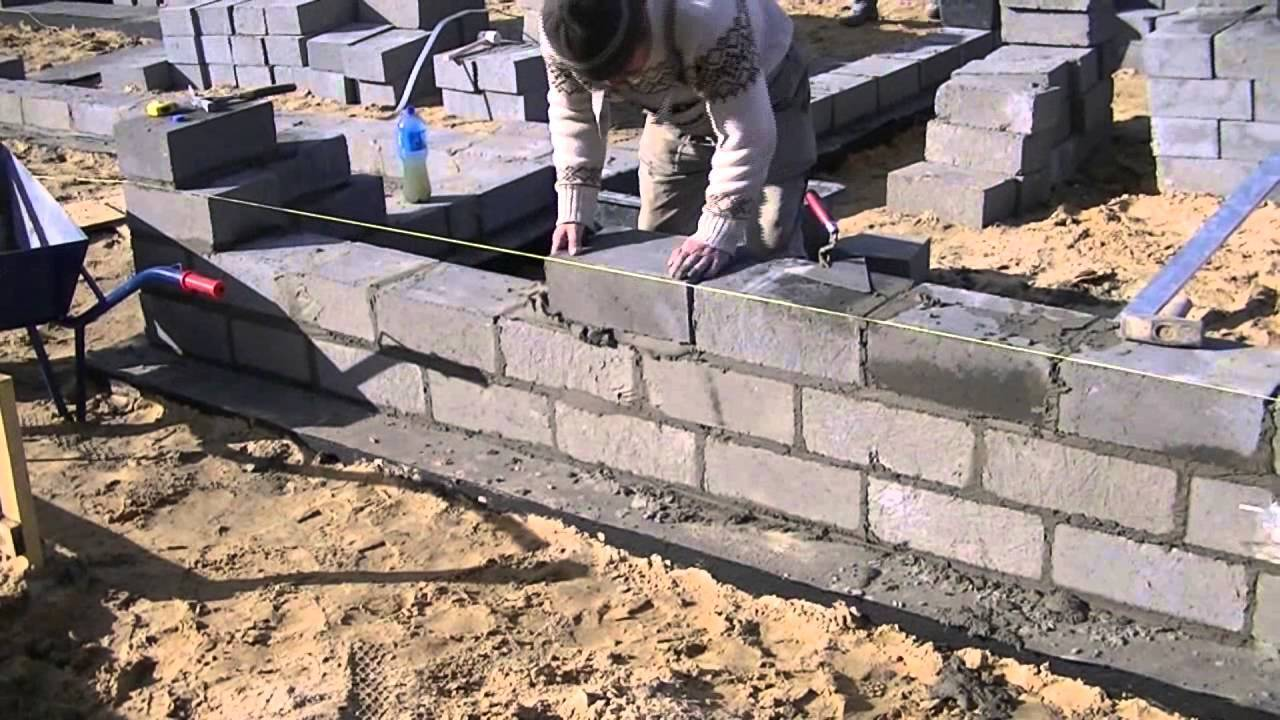 Дом из пеноблоков – секреты строительства от фундамента до крыши + фото и видео с подробными инструкциями