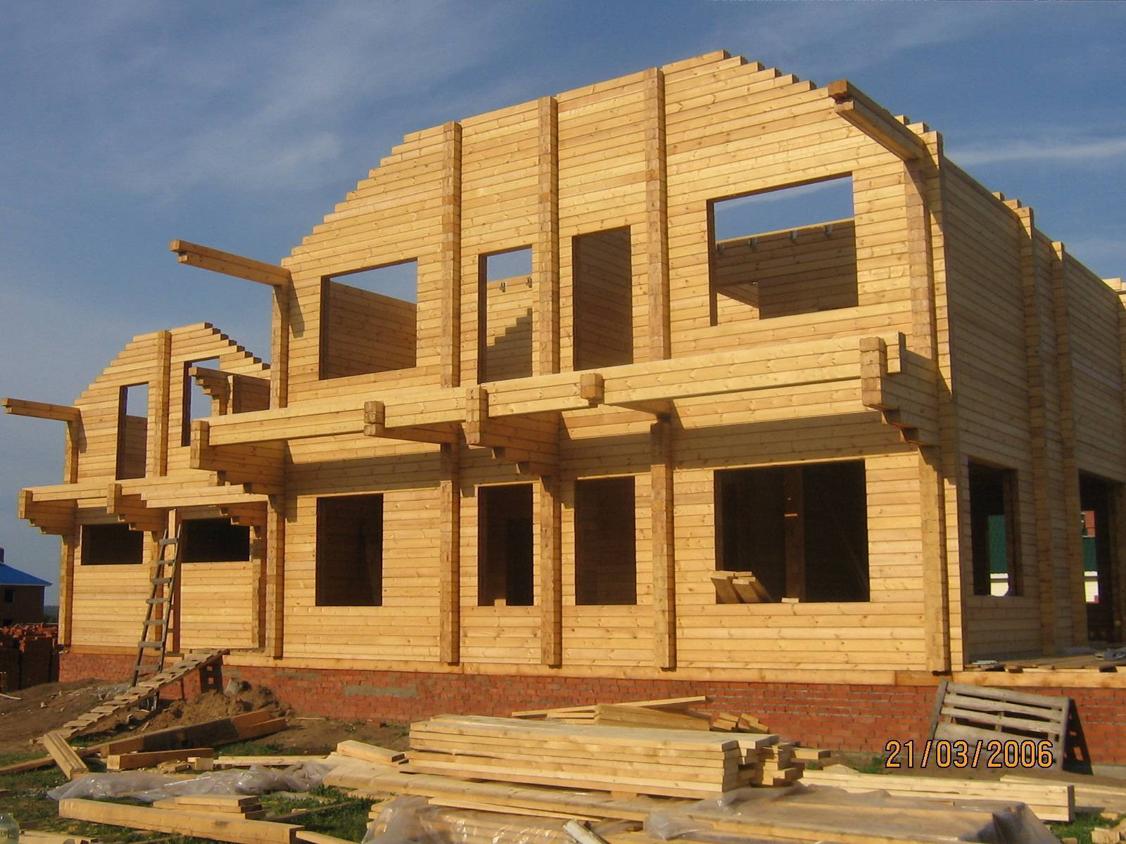 Дом из клееного бруса – этапы строительства с фото