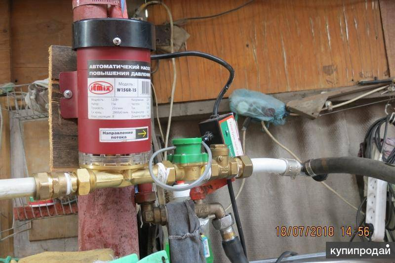 Как увеличить напор воды в квартире своими руками: выбираем насос по параметрам и рекомендациям