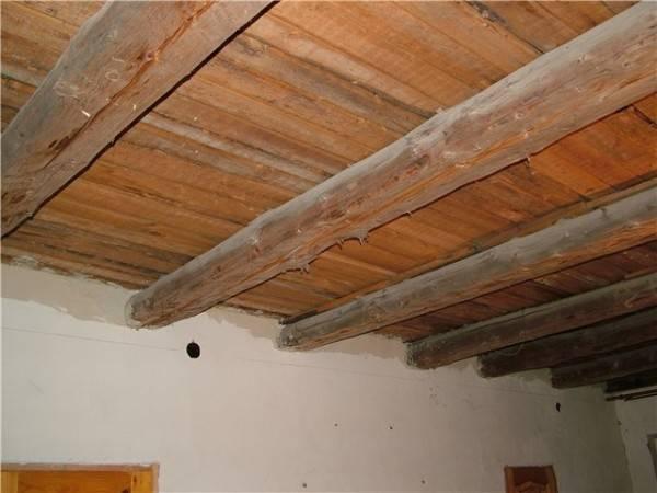 Как выровнять деревянный потолок своими руками - постройка