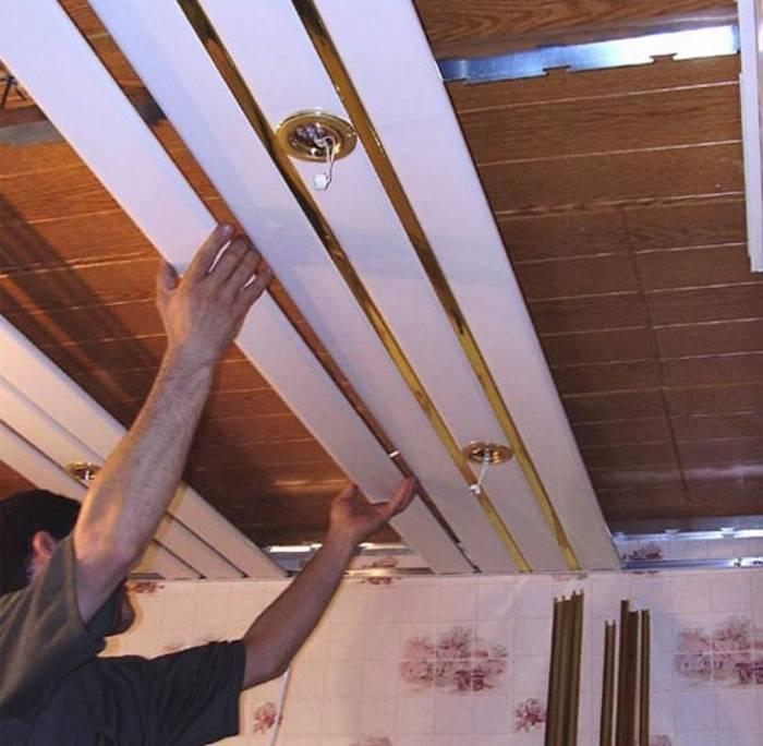Как выполнить демонтаж подвесного потолка?