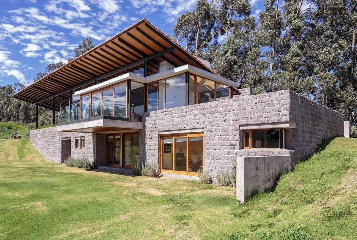 Дом со стеклянными стенами. стеклянные дома с деревянным каркасом. особенности домов из стекла