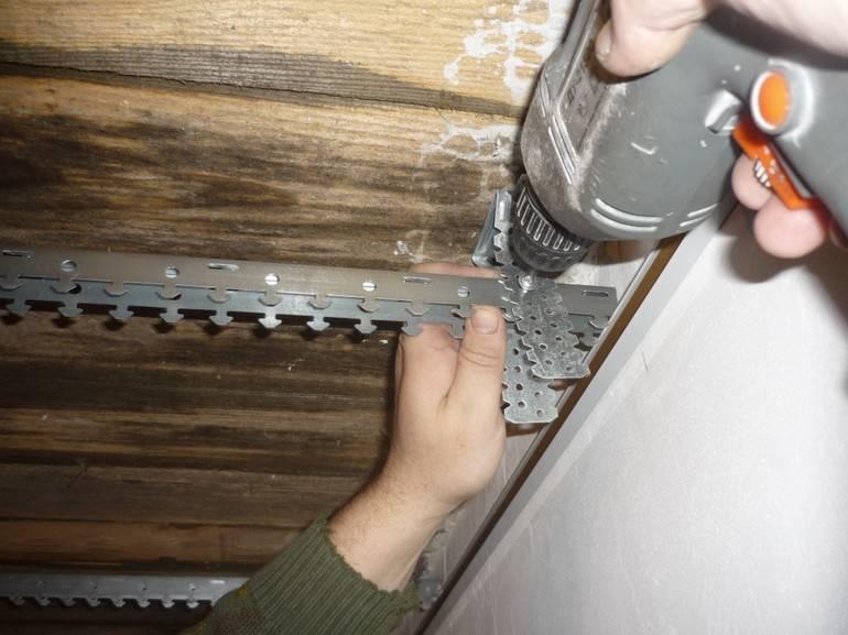 Пластиковый потолок в ванной: как сделать своими руками, пошаговая видеоинструкция