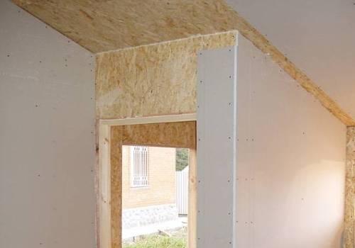 Чем лучше обшить каркасный дом изнутри?