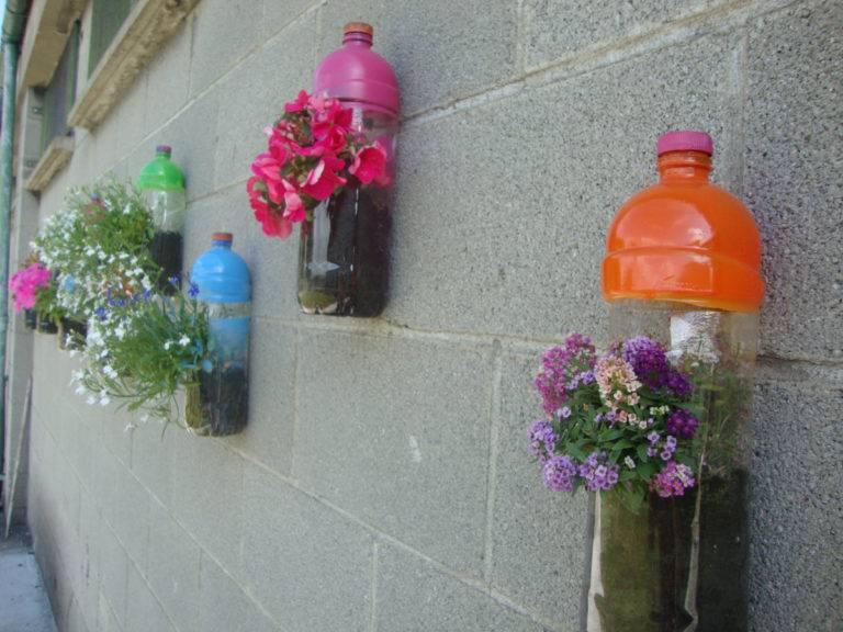 Поделки из пластиковых бутылок: идеи и мастер-классы