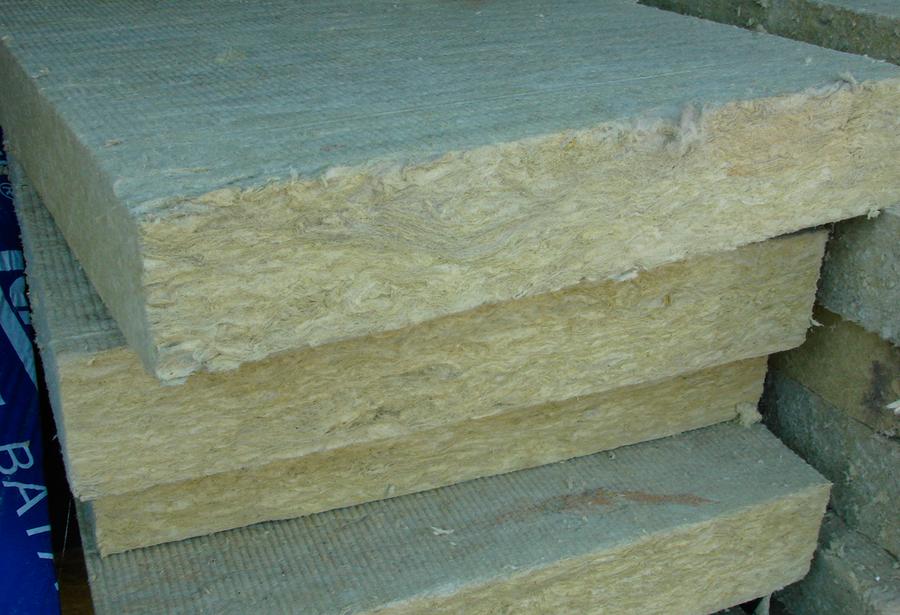 Вредна ли базальтовая вата для здоровья человека: правила использования для жилых помещений