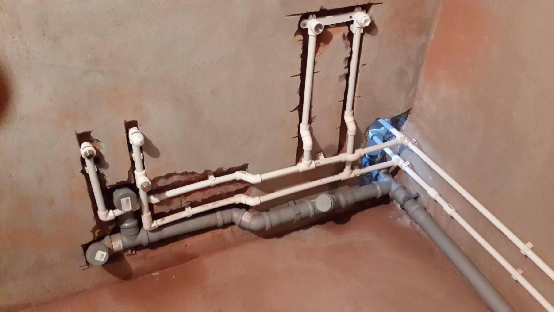 Монтаж пластиковых труб для домашнего водопровода своими руками