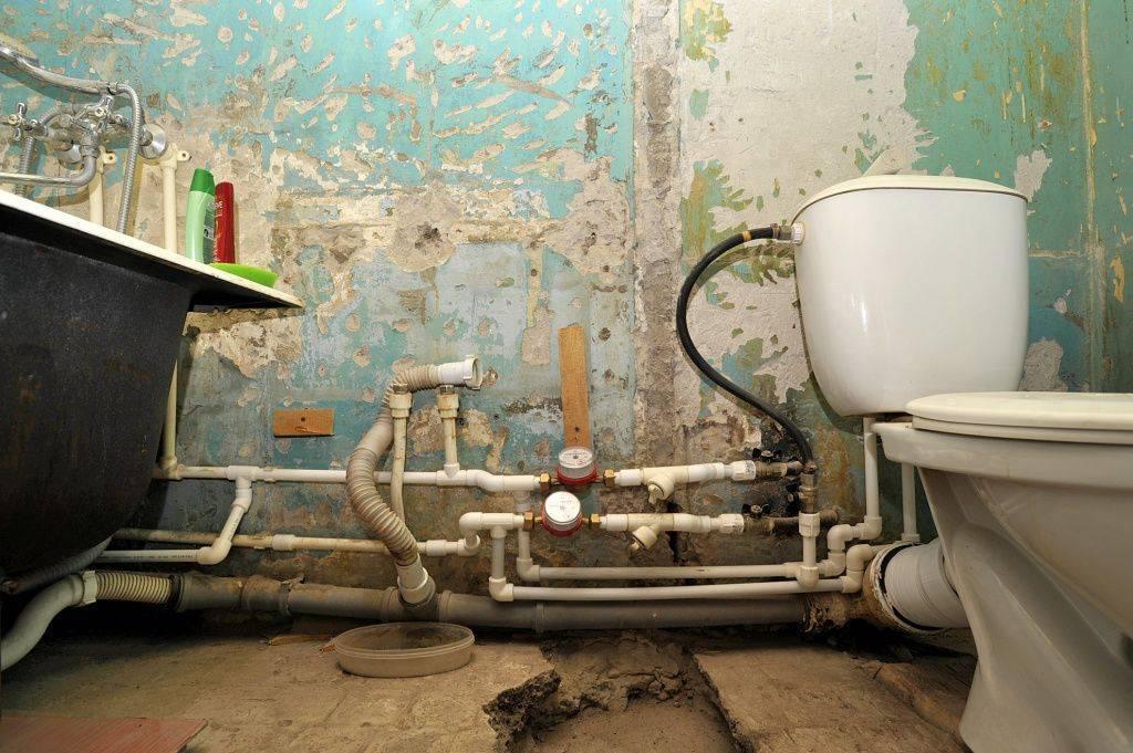 Монтаж канализации в ванной, санузле