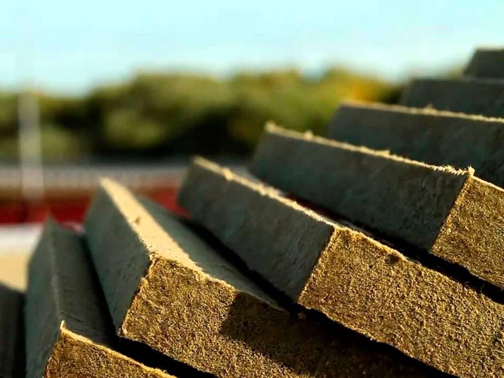 Минвата или базальтовая вата: что лучше для утепления жилого дома