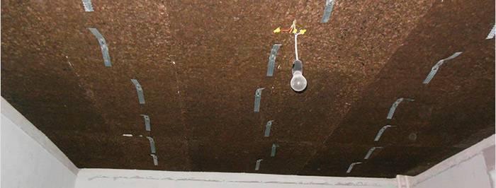 Звуко и шумоизоляция потолка в квартире пробкой