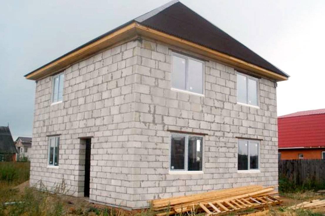 Как рассчитать стоимость строительства дома из пеноблоков или шлакоблоков. свойства материалов, основные размеры и параметры
