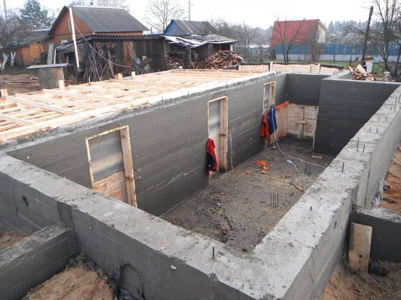 Монолитный фундамент с цокольным этажом своими руками