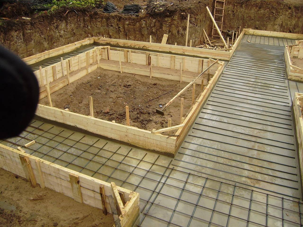 Строим цоколь дома из пенобетона своими руками
