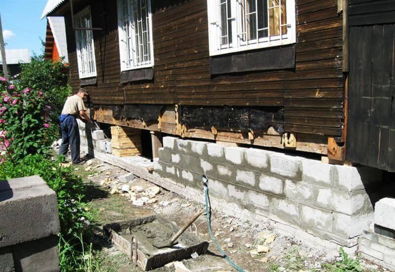 Поднять дом на домкратах и заменить фундамент: порядок выполнения