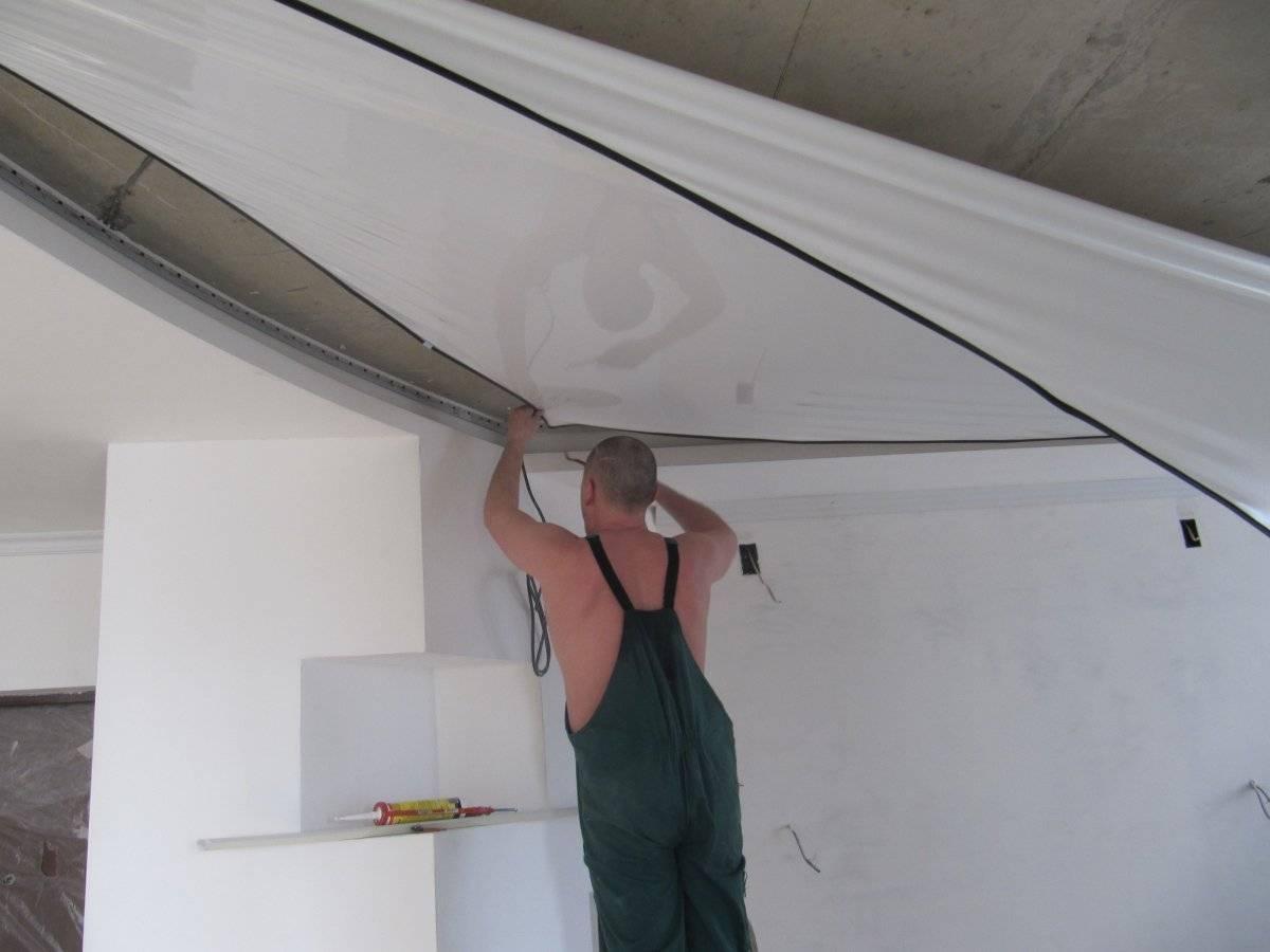Вы узнаете о том, как делают натяжные потолки и сможете сделать такой потолок самостоятельно