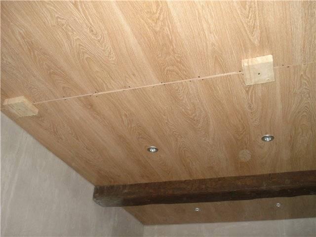Потолок из ламината своими руками: как сделать, укладка, отделка, видео, монтаж, фото, как обшить