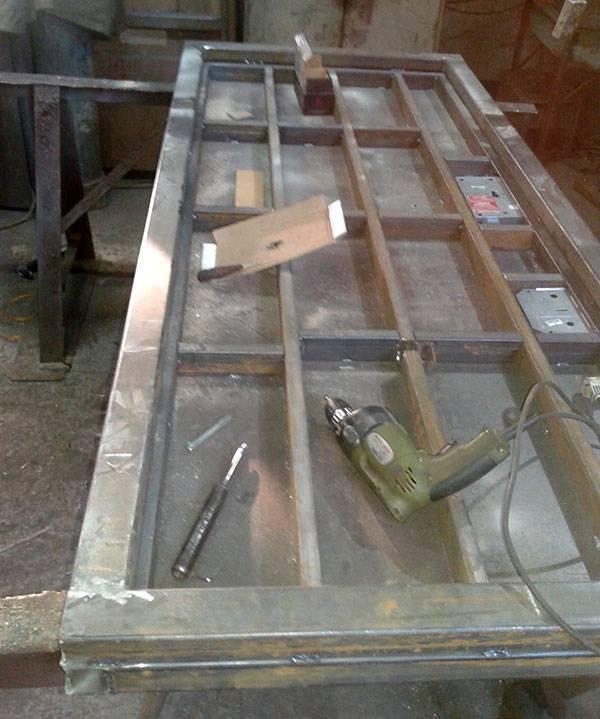 Установка металлической двери своими руками: инструкция по шагам, в кирпичном доме | ремонтсами! | информационный портал