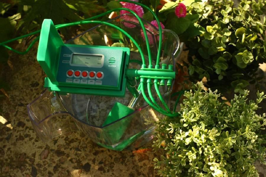 Собираем систему капельного полива для теплицы из бочки за 3 шага