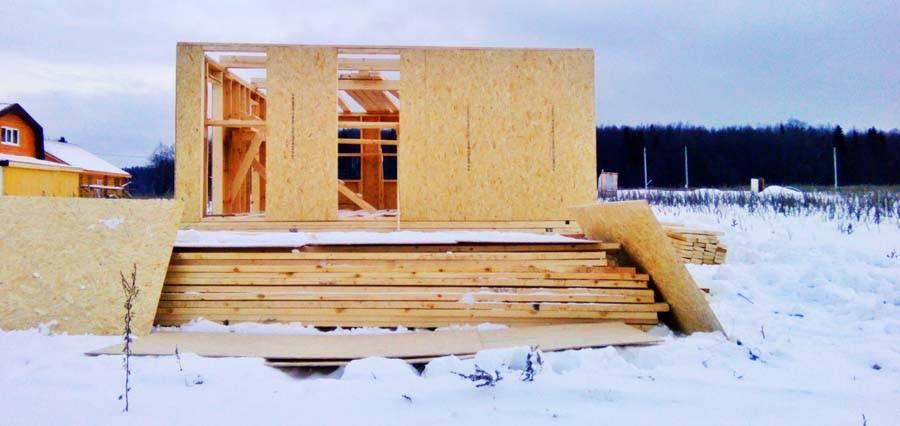 Когда лучше строить каркасный дом – зимой или летом