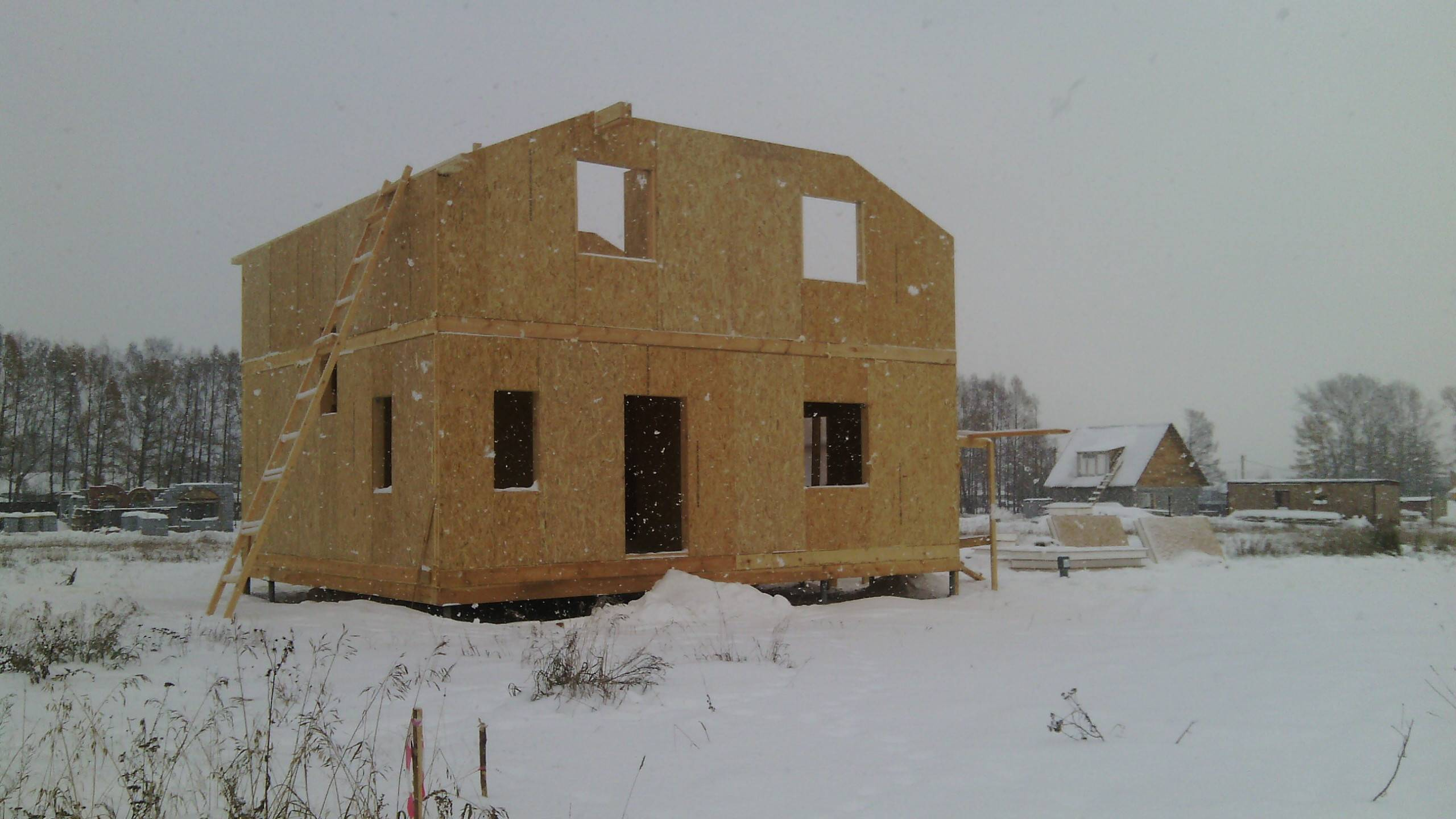 Строительство каркасно-панельного дома своими руками