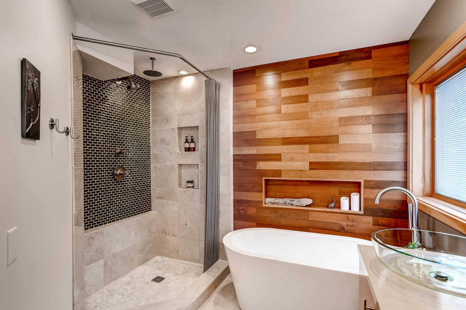 Отделка ванной комнаты (114 фото): подбор отделочных материалов, варианты плитки для стен