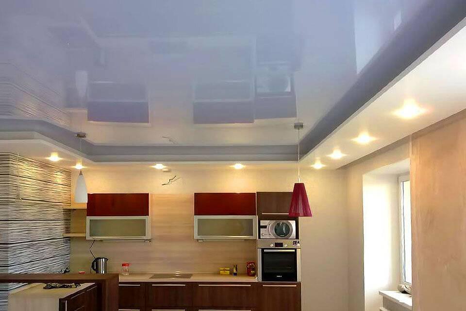 Что лучше: натяжной потолок или панели пвх?