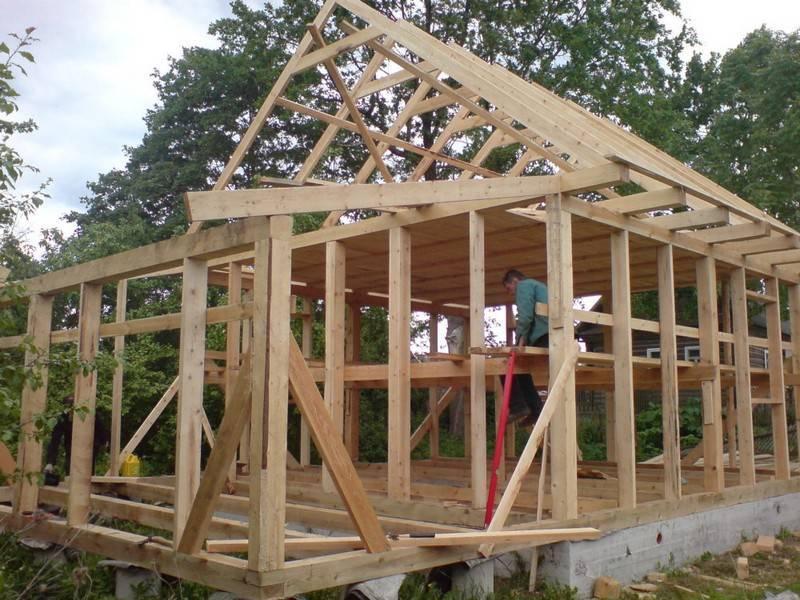 Строим надежный каркасный дом из бруса