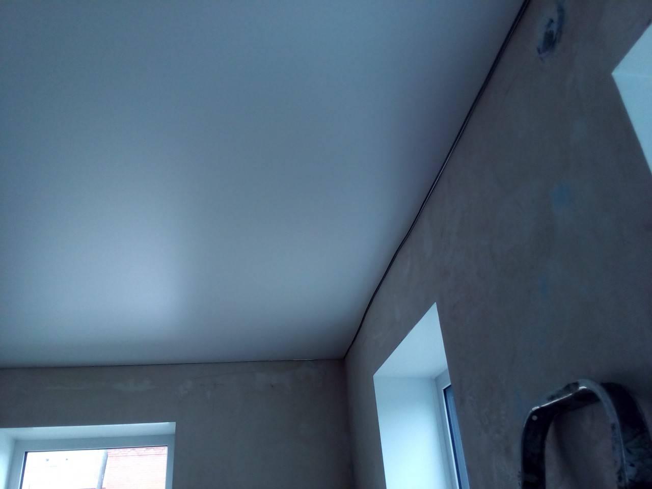 Матовые и сатиновые натяжные потолки (10 фото)
