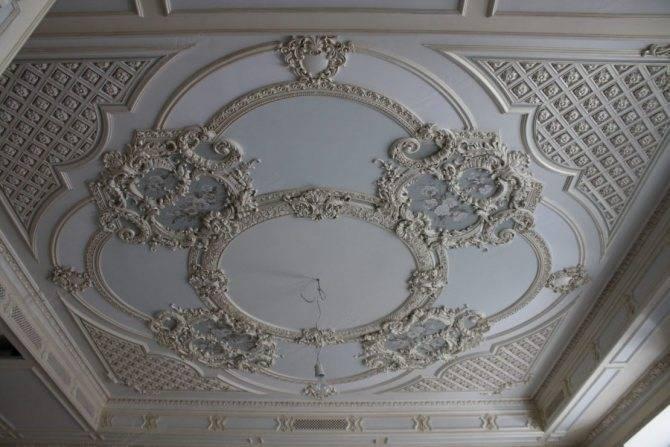 Лепнина на потолок: изготовление и монтаж своими руками!
