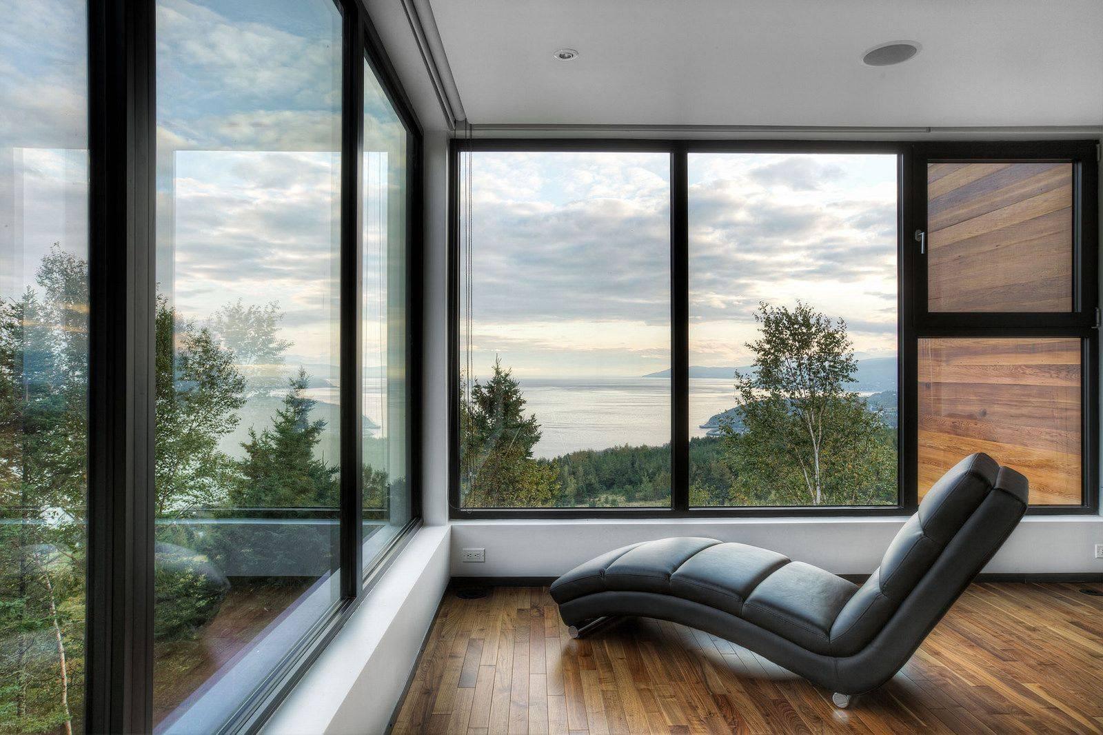 Панорамные окна: когда уместны и как выбрать правильные?