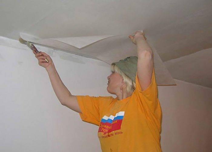 Паутинка для потолка под покраску: цена поклейки и ремонта стекловолокном