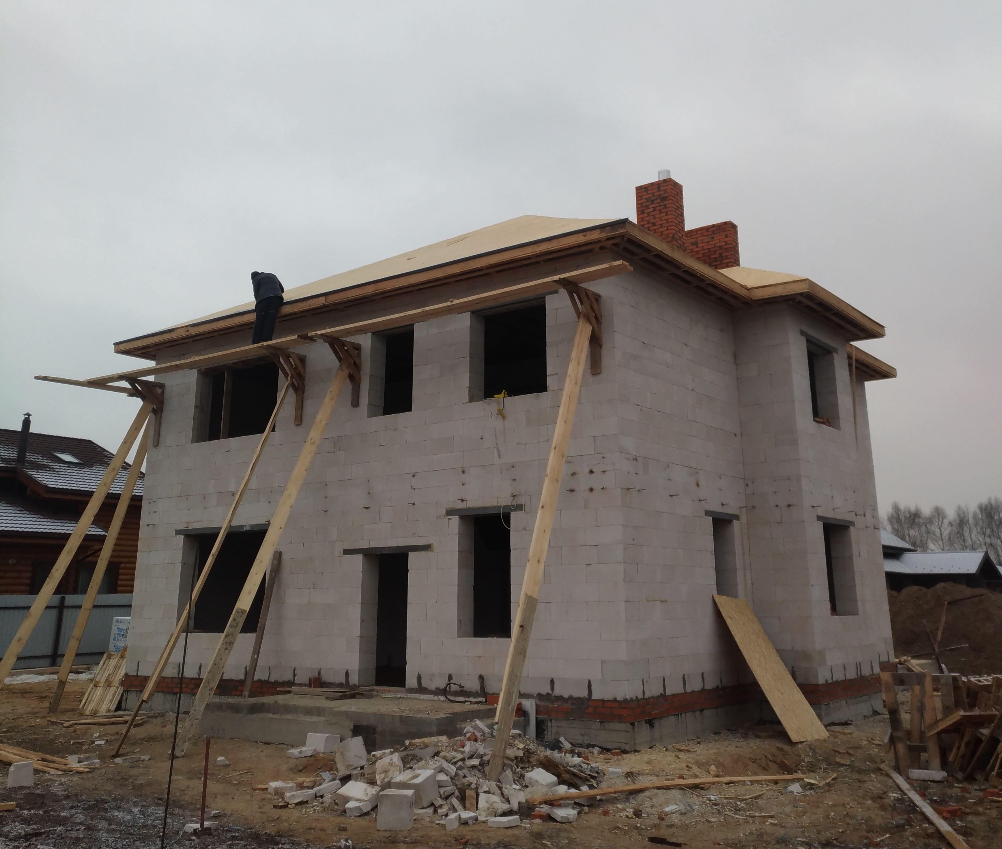 Из чего лучше построить дом для постоянного проживания?