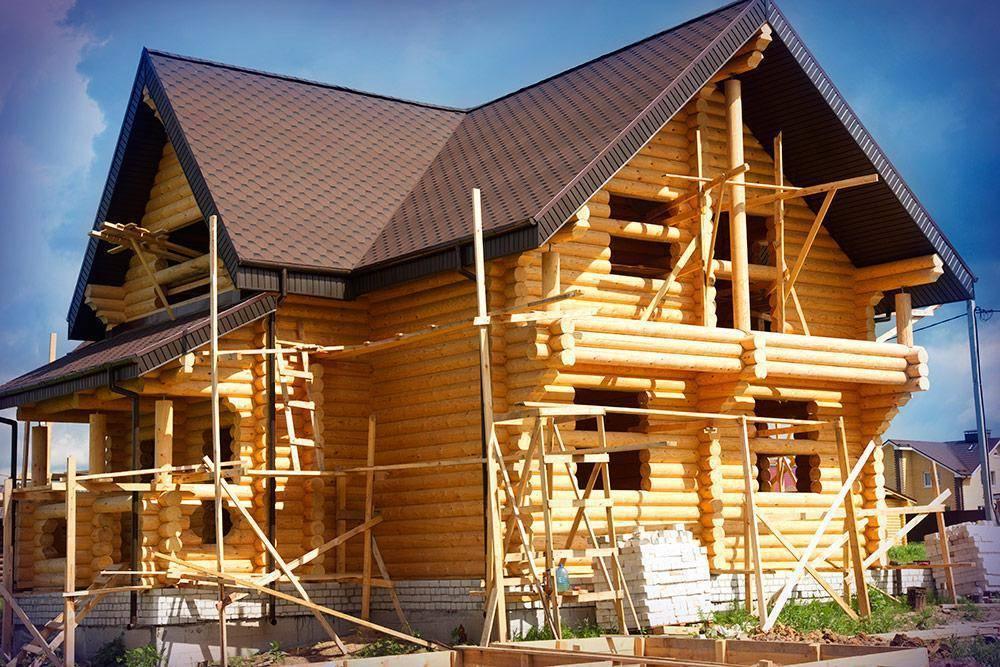 Клееный брус или оцилиндрованное бревно выбираем материал для своего дома, сравниваем и анализируем характеристики и стоимость - профилированный брус