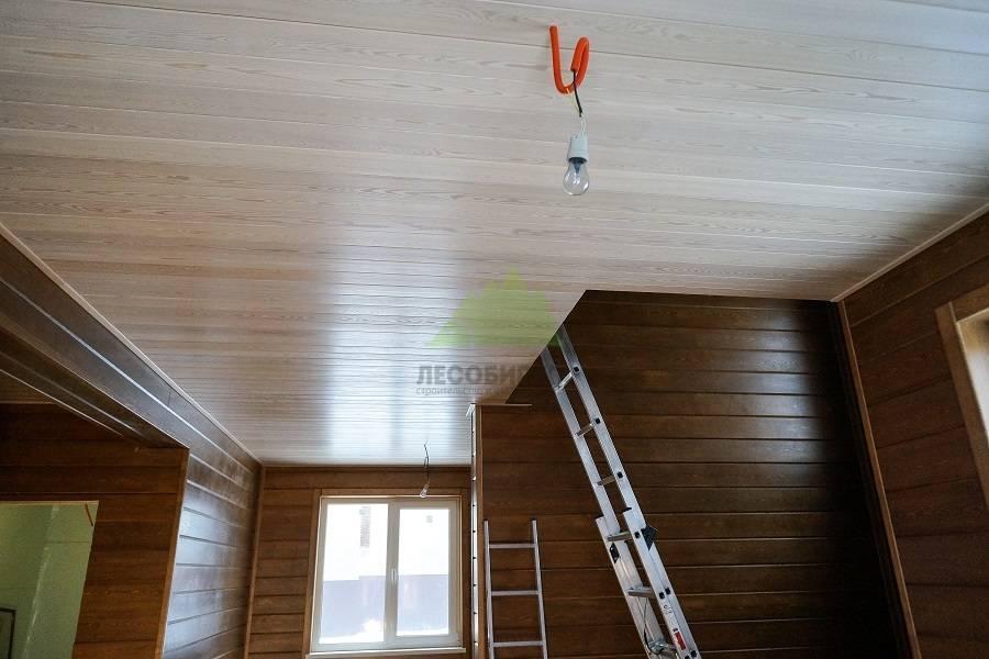Деревянный потолок - виды, примеры, монтаж своими руками