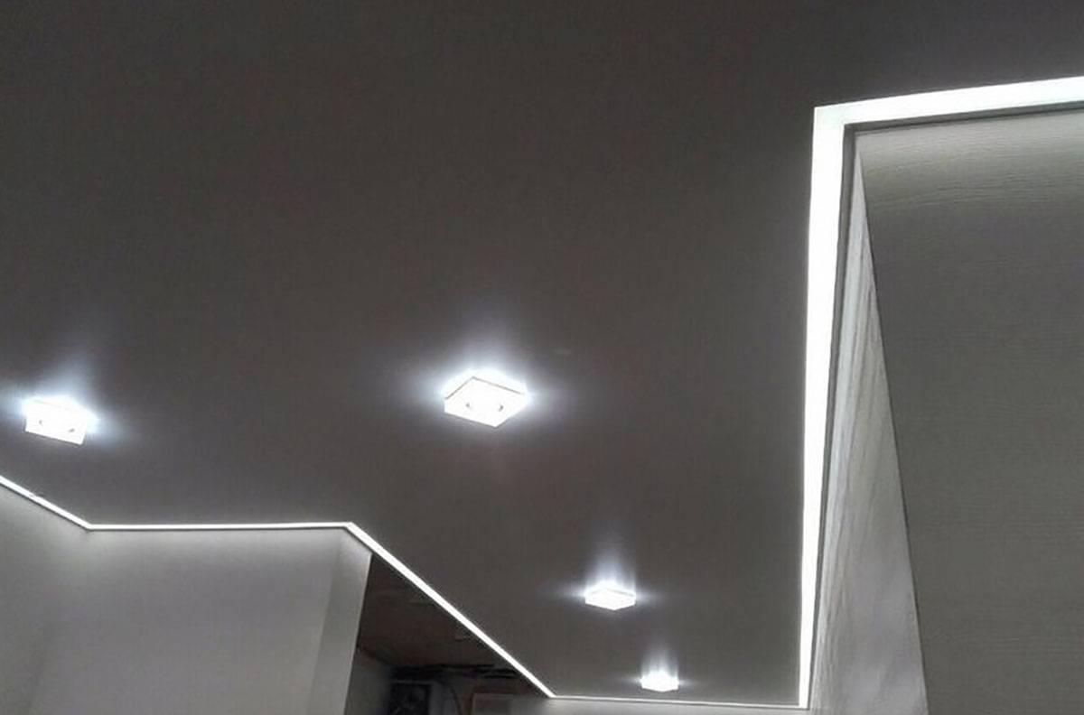 Из чего и как делают парящие линии на натяжных потолках