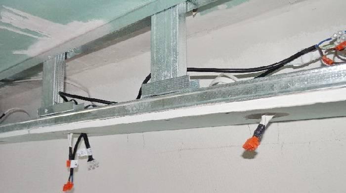 Как сделать потолок из гипсокартона: монтаж каркаса и крепление листов, финишные работы, дополнительные решения