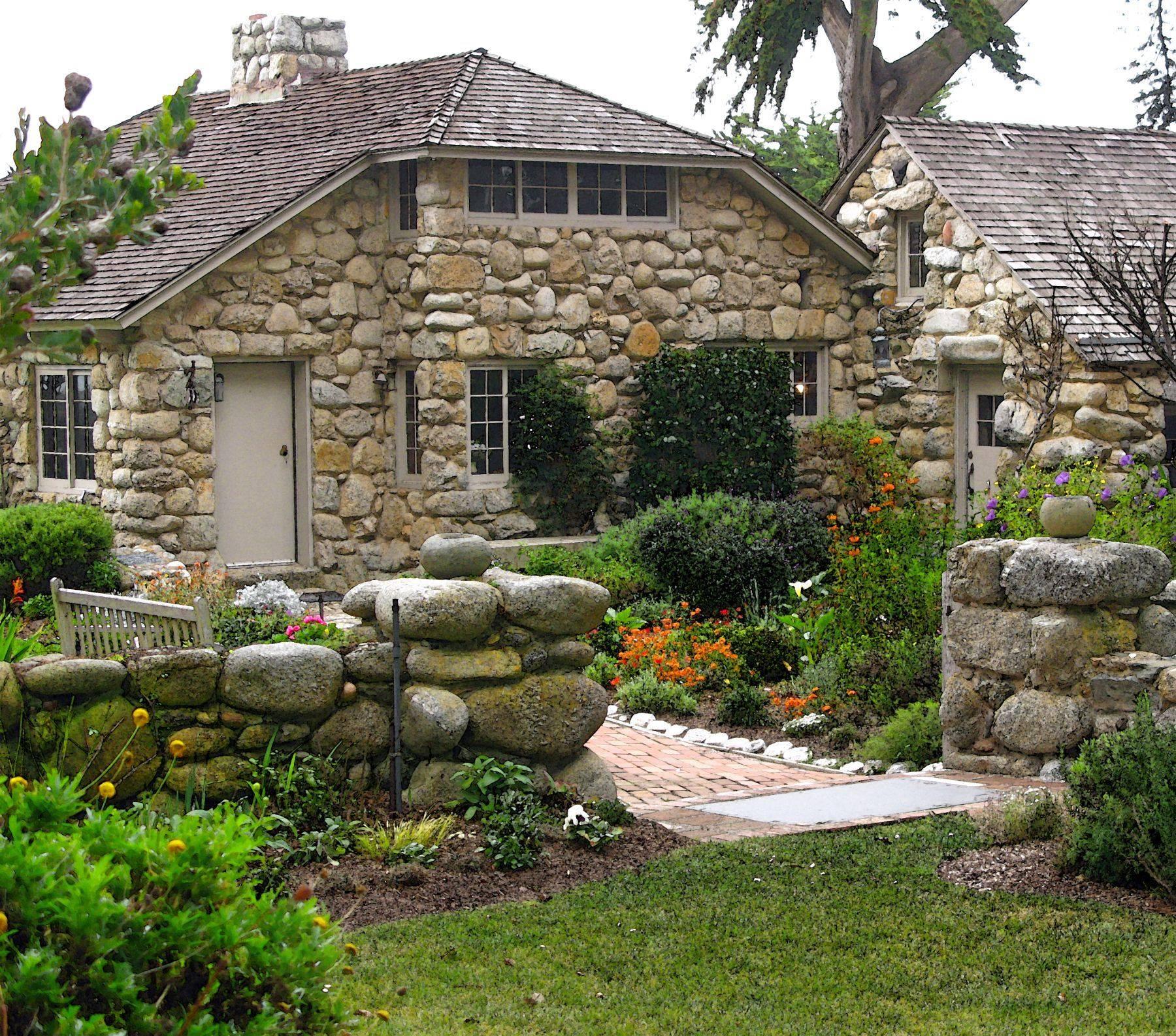 Как построить дом из камня своими руками? - о популярных стройматериалах