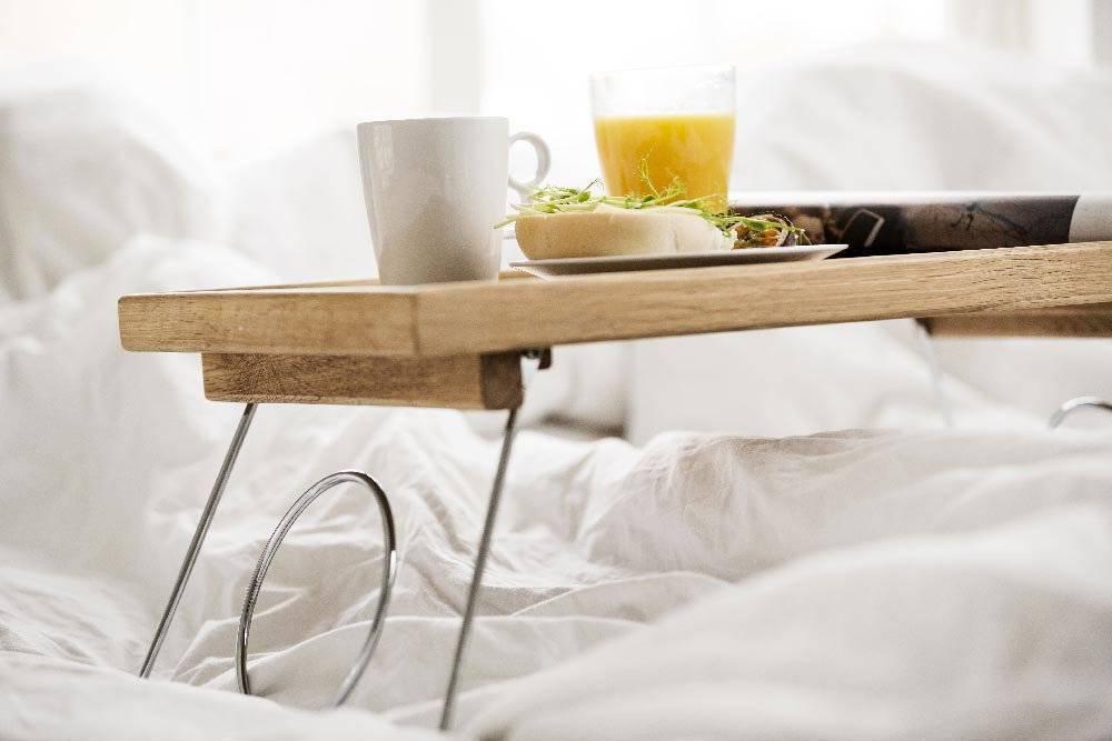 """Мастер-класс поделка изделие выпиливание моделирование конструирование столик """"завтрак в постель"""" из бросового материала материал бросовый"""
