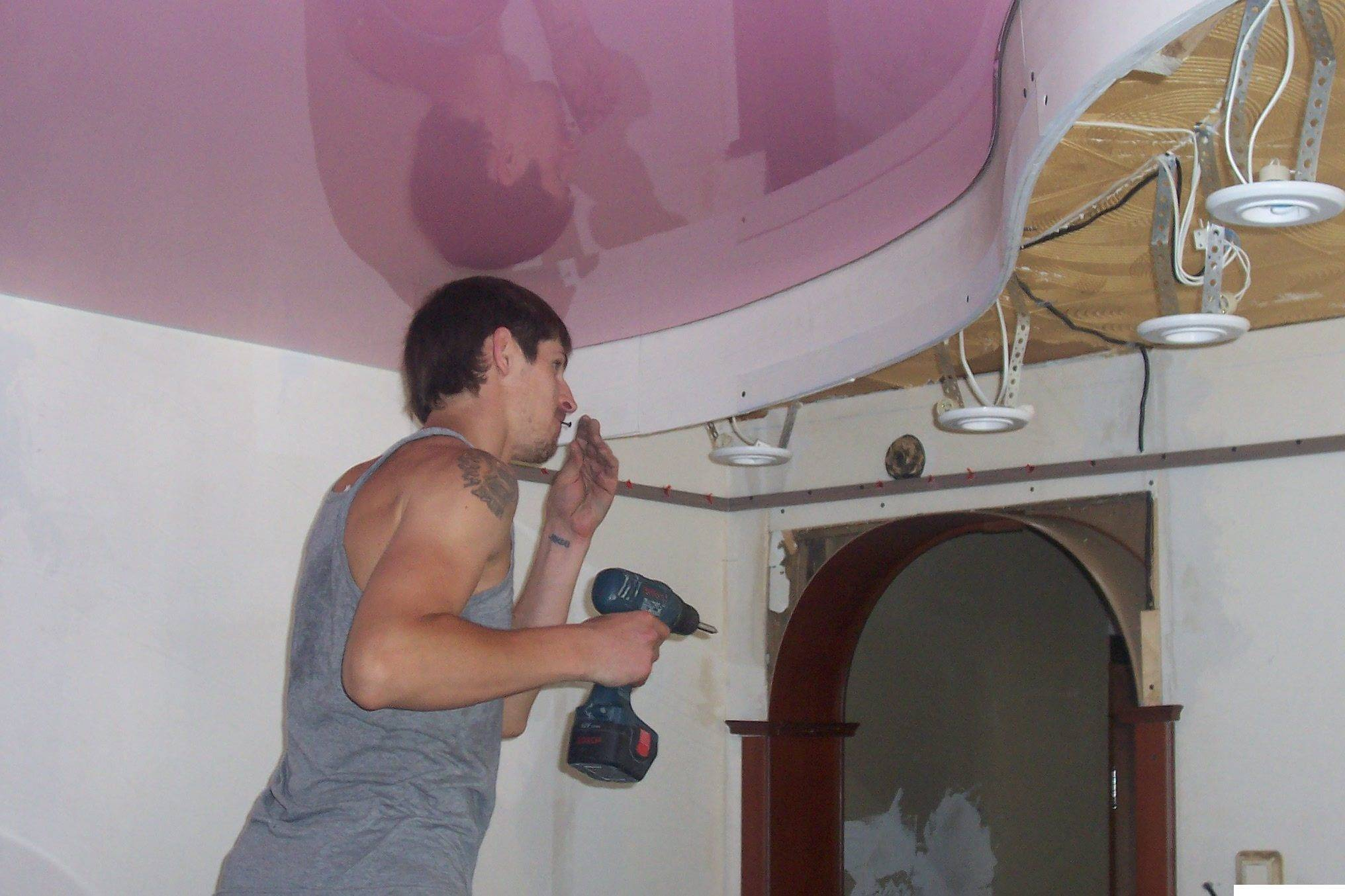 Как самому сделать натяжной потолок без нагрева? (7 фото)