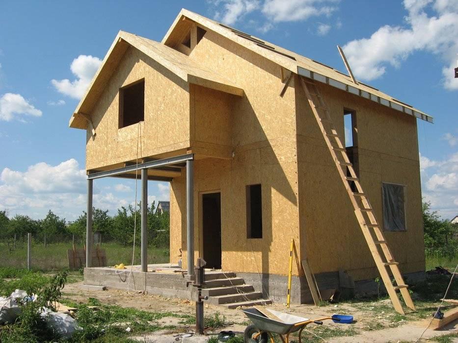 Особенности каркасно-блочных домов: преимущества и недостатки, примеры проектов, выбор фундамента, выкладка стен, монтаж крыши и пола, внешняя отделка