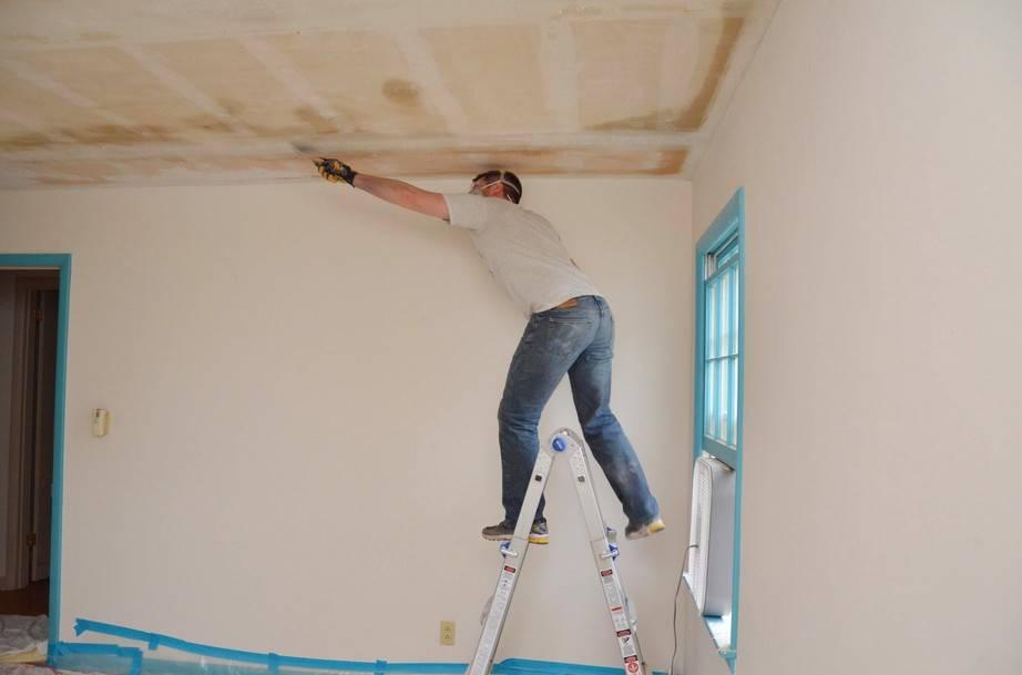 Шпаклевка потолка под покраску: основные этапы