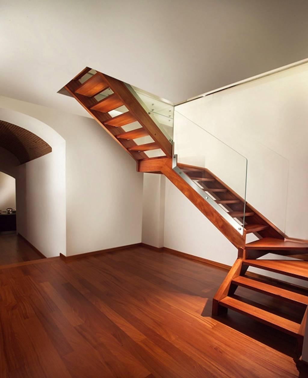 Как сделать лестницу на второй этаж из дерева своими руками, фото и видео