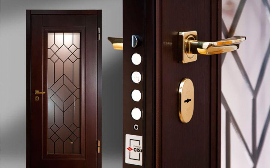 Как выбрать входную дверь в квартиру: правильная инструкция