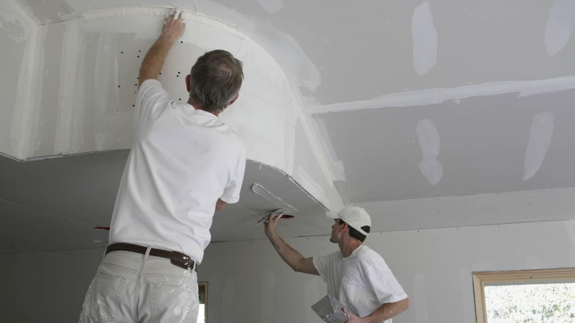 Что лучше - натяжной потолок или потолок из гипсокартона?