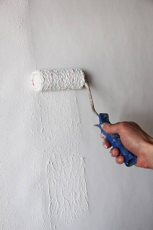 Покраска потолка: окрашивание по старой краске