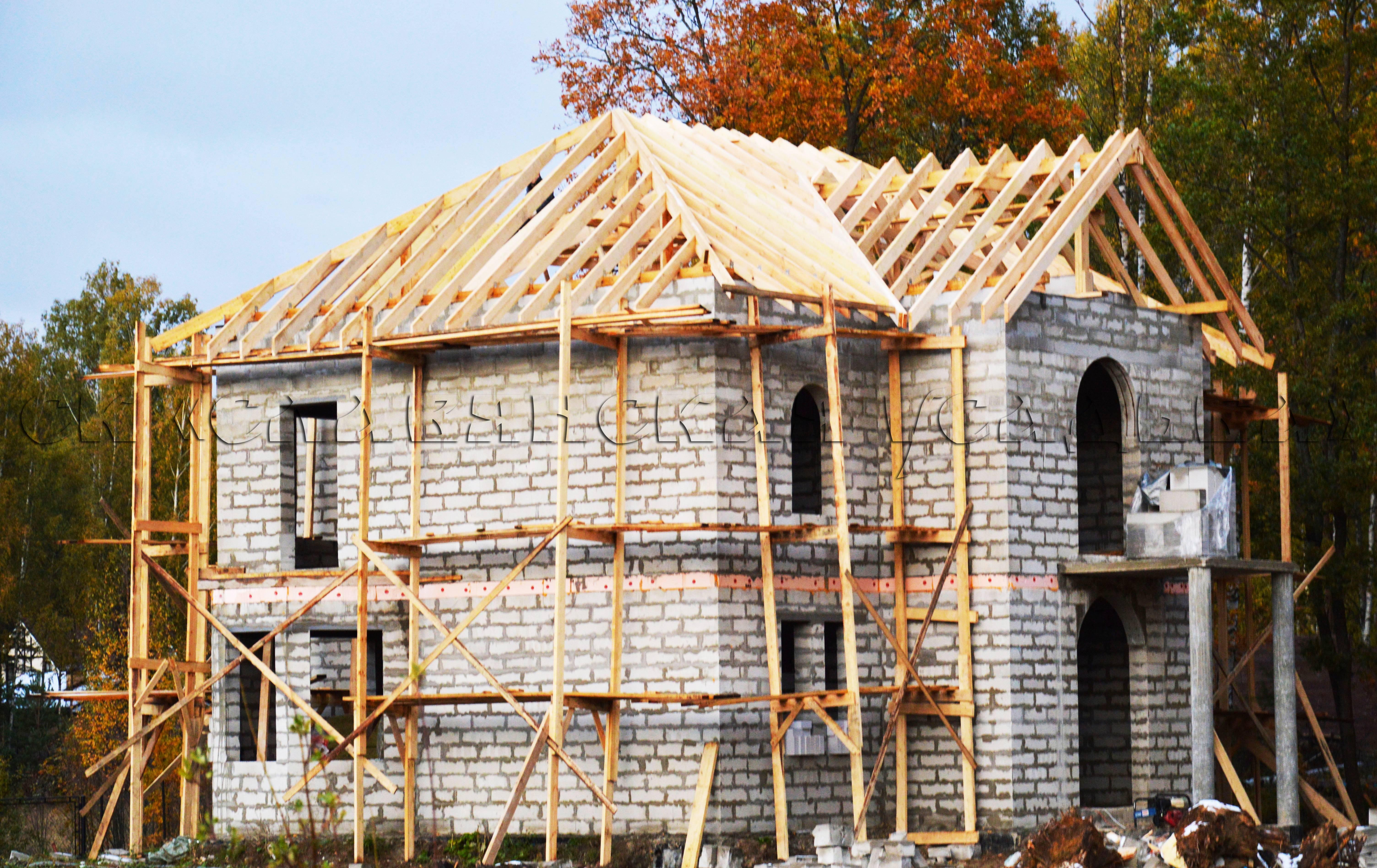 Брус или газобетон: что выбрать для строительства дома