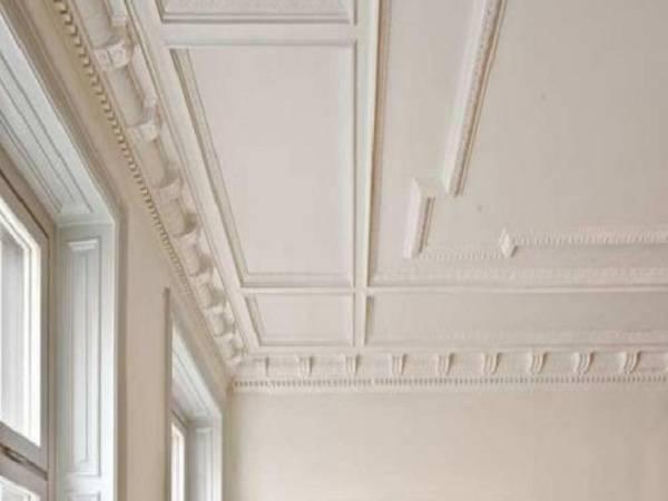 Молдинги на стенах – зонирование и создание стильного интерьера