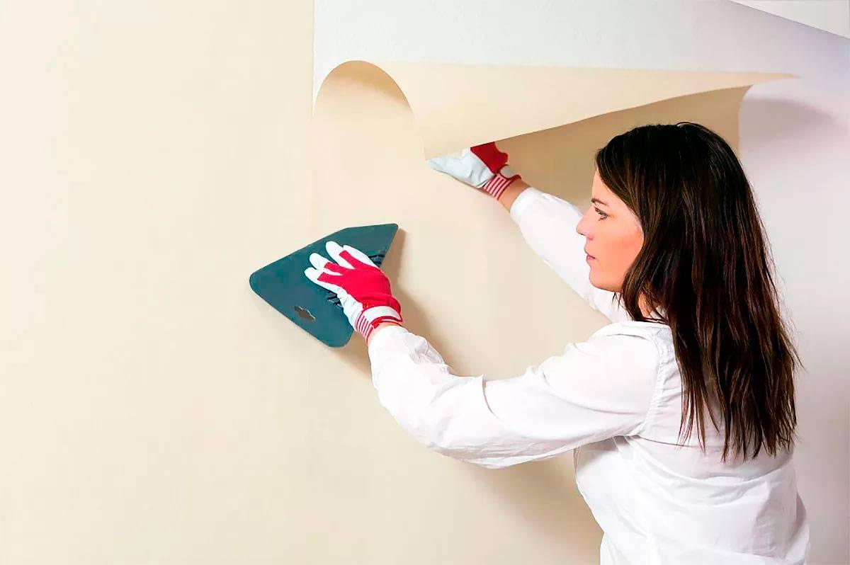 Поклейка стеклохолста на потолок под покраску